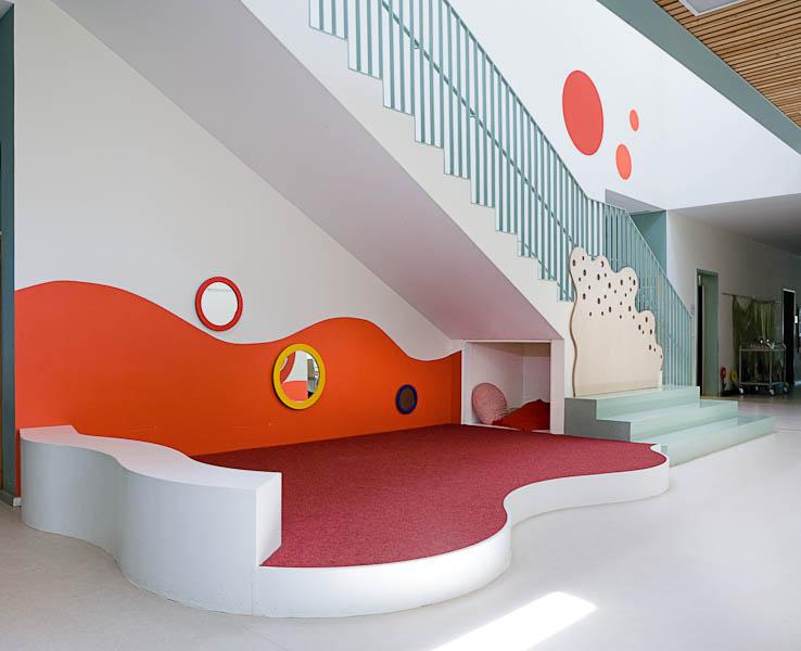 frische farben f r kita in k ln lotos innenarchitektur. Black Bedroom Furniture Sets. Home Design Ideas