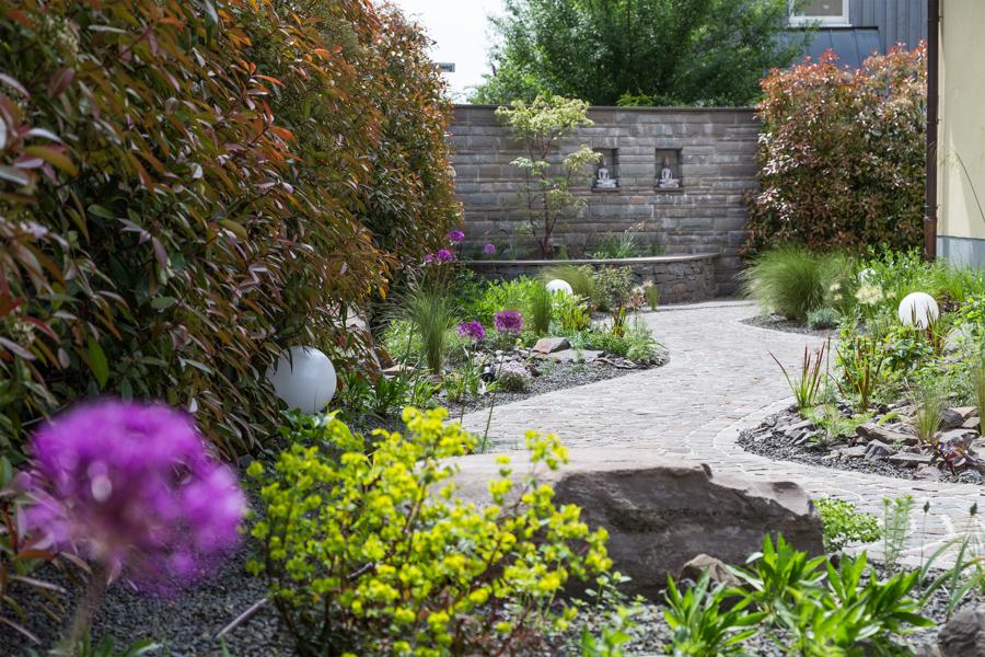 Gartengestaltung lotos innenarchitektur for Innenarchitektur informationen